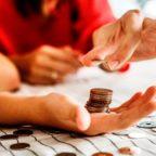 Como economizar dinheiro mesmo ganhando pouco