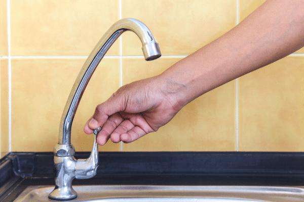Reduza o consumo de água para uma quarentena sustentável